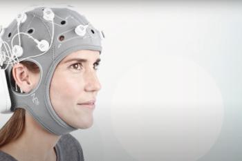 persona haciendo escaneo cerebral